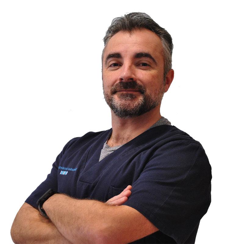 Dr. Iván Martínez, Dentista Sabadell
